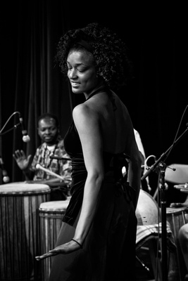 B&W Seattle event photography - African Rythm